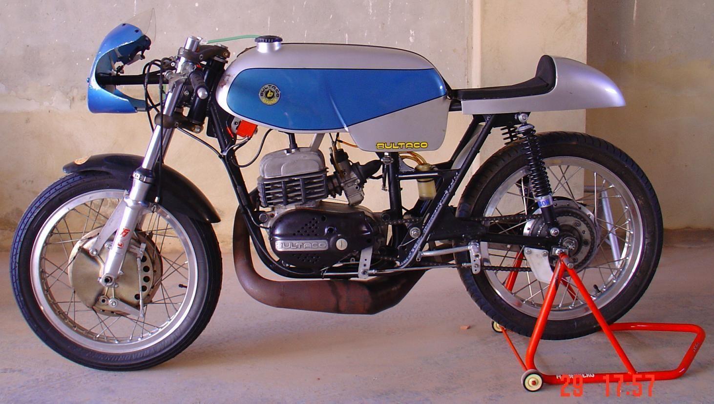 Cúpula de Fibra estilo Bultaco Carreras Modelo CO03
