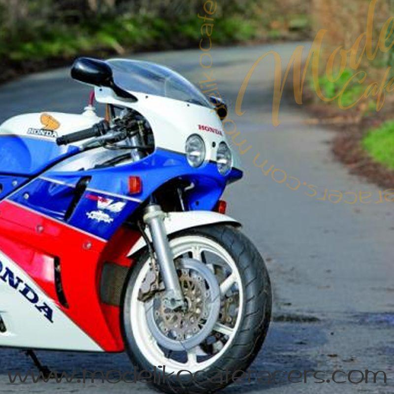 Guardabarros Fibra de Vidrio Réplica Honda VFR RC30
